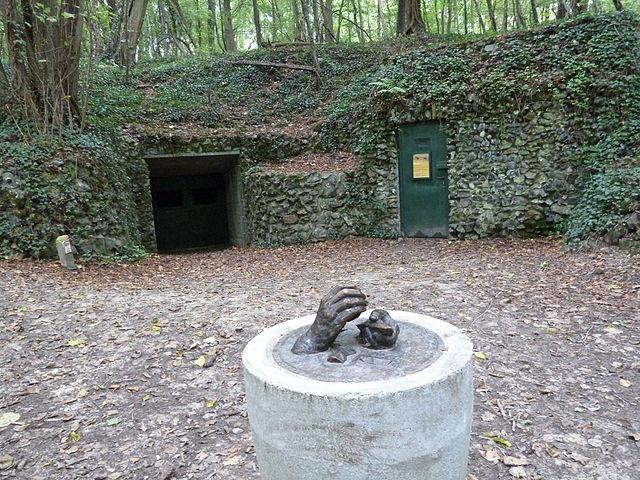 640px-Savelsbosch-Vuursteenmijn_(2)